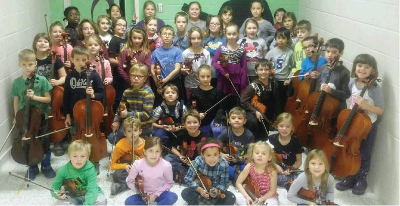 Voici les élèves qui monteront sur scène deux fois afin de permettre aux gens de se laisser transporter par la musique et la magie des Fêtes. Photo contribution